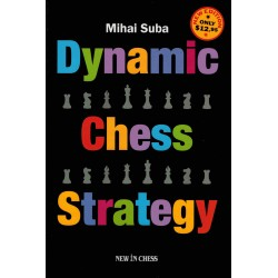 Dynamic Chess Strategy de...